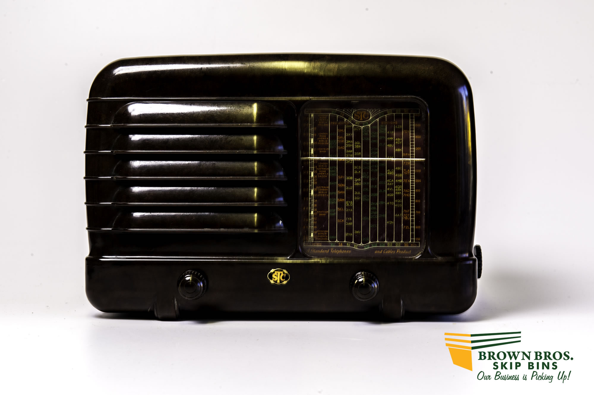 Antique Bakelite Radio