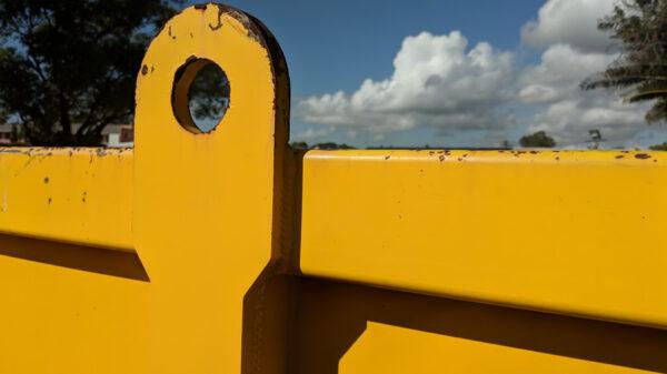 Hook Mounting craneable Skip Bin Feature